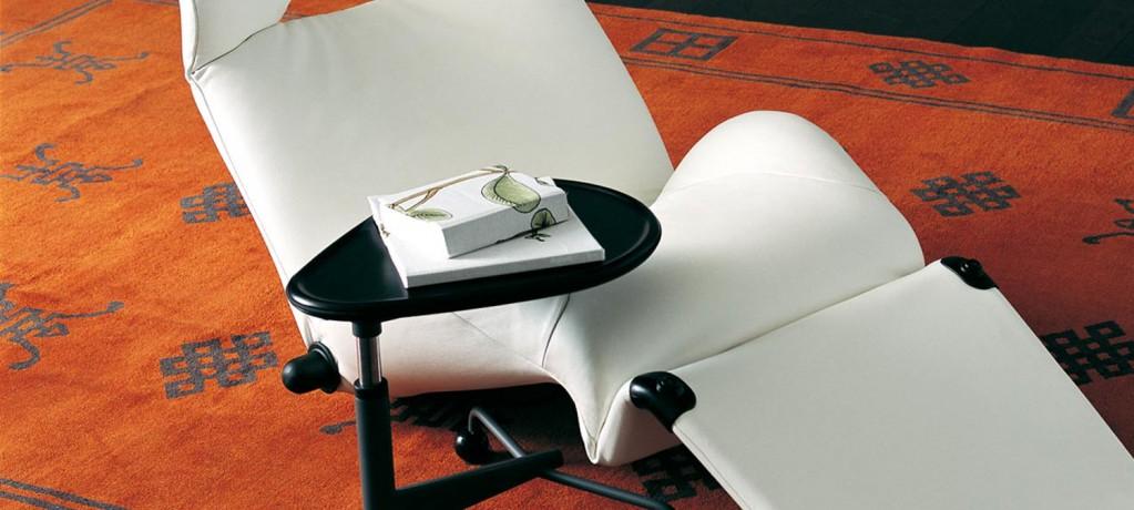 Table Kick et fauteuil Wink - Cassina