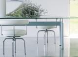 Table LC6 - Base bleu et Fauteuil LC7 - Cassina